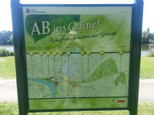 """Schautafel der Stadt Aschaffenburg für ihre Parks..""""AB ins Grüne"""""""