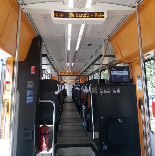 Der Coradia lint 54 auf der Weschnitztalbahn als RB 13341 in Weinheim HBF