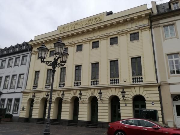 Das schöne klassizistische Theater Koblenz.