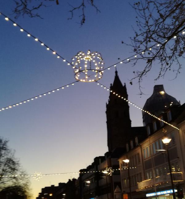 Die Kaiserkrone über dem Wormser Dom. Nächstes Jahr wird das Lutherjahr hier toben! (Klick)