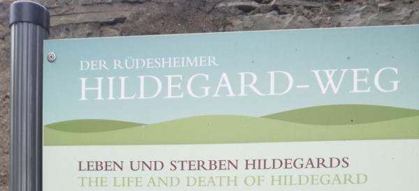 Wege zu Hildegard, uralt dort in Rüdesheim.