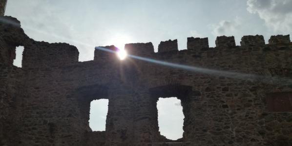 Das Schloss, das eine Burg ist.
